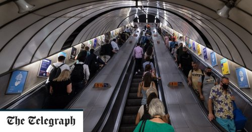 Tube accidents soar as passengers too afraid to hold escalator handrails