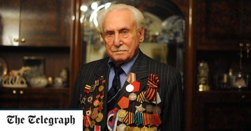 David Dushman, Soviet tank commander who helped to liberate Auschwitz-Birkenau – obituary