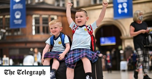 Pictures of the Day: Tartan Army invasion alert
