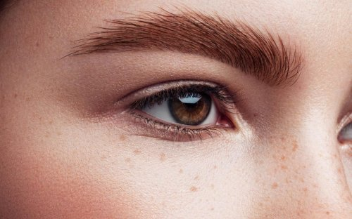 The quickest way to an instant eye lift (no surgery required)