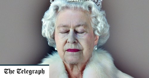 Chris Levine on photographing the Queen: 'When she left, I just lay on the floor'