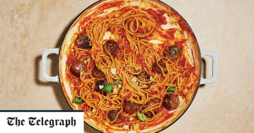 One-pan spaghetti and meatballs recipe