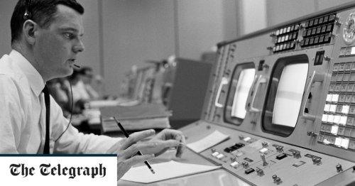 Glynn Lunney, Nasa engineer who oversaw the Apollo 13 emergency operation – obituary