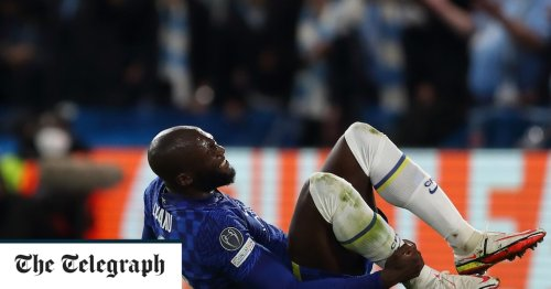 Chelsea put four past Malmo but win overshadowed by injuries to Romelu Lukaku and Timo Werner