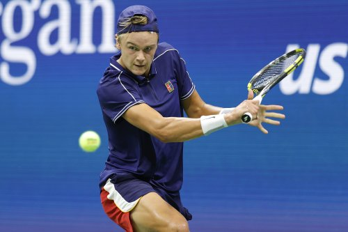 Holger Rune notches first ATP level double bagel | Tennis.com
