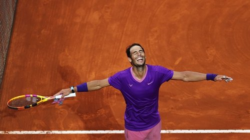 Top 5 Photos, 5/17: Rafa rules in Rome; Swiatek soars
