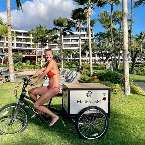 Aloha! Petra Kvitova soaks up first trip to Hawaii   Tennis.com