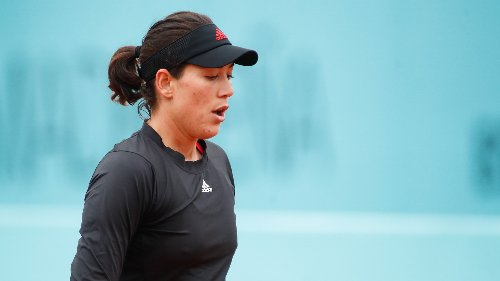 Muguruza strolls into second round in Rome as Bencic becomes first major casualty
