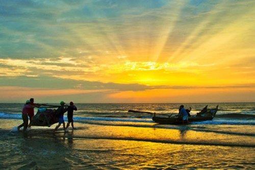 Những góc nhìn bình dị từ cuộc sống của người dân miền biển