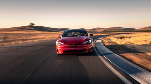 Tesla Model S Plaid breaks quarter-mile world record and performs 0-60 mph in just 1.98 seconds