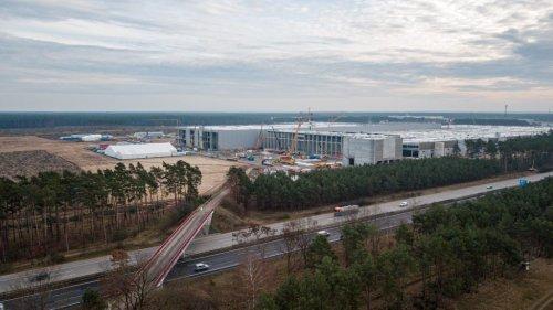 Tesla not violating labor laws at Giga Berlin: State Parliament
