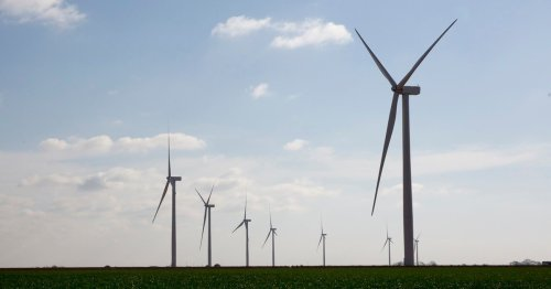 No, frozen wind turbines aren't the main culprit for Texas' power outages