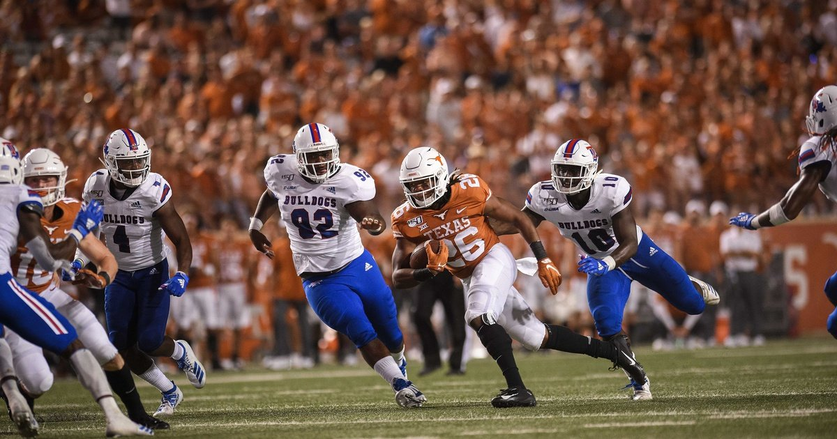 Lawmakers concerned about UT leaving Big 12 conference make their case to Gov. Greg Abbott's office