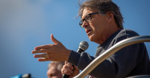 Rick Perry returns to the Texas Capitol to pitch study of psychedelic drugs for PTSD in veterans