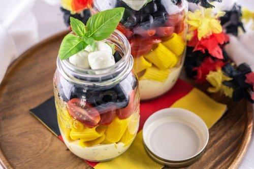 Nudelsalat im Glas für die EM-Party - The inspiring life