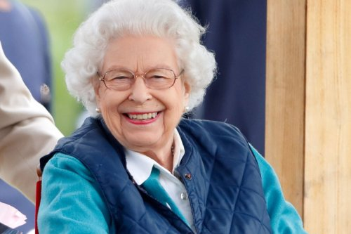American tourists 'didn't recognise Queen & asked if she had ever met HERSELF'