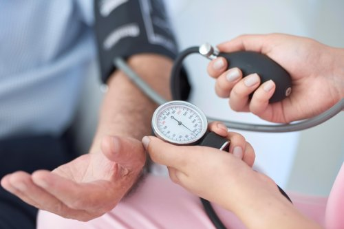 Average blood pressure for men and women by age - from normal reading to monitoring at home