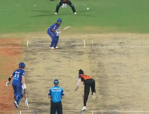 Vijay Shankar surprises everyone with a rare no-ball delivery