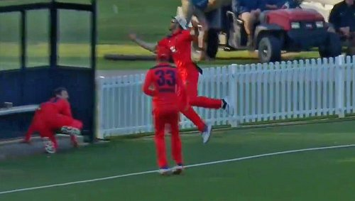 Australia Domestic Cup 2021-22: 'Should be awarded 18 runs'- A hilarious relay catch leaves fans in splits