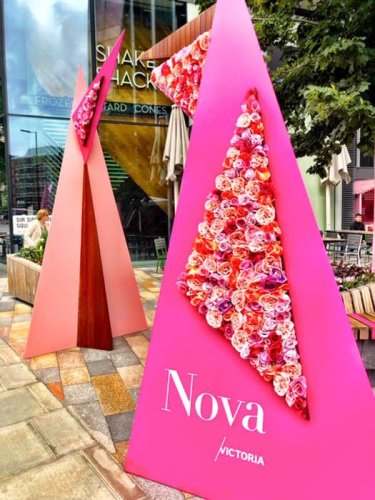 Victoria Station Restaurants: The Hot Nova Victoria