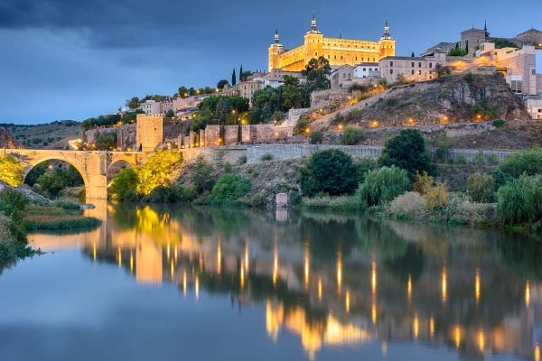 12 Beautiful Spain Famous Landmarks You Don't Want to Miss