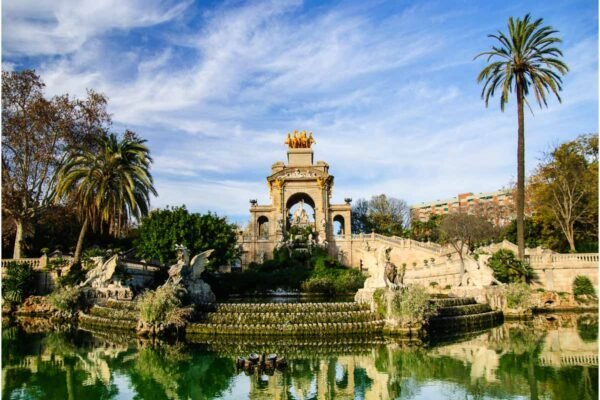 23 Awesome Barcelona Landmarks You Won't Want to Miss