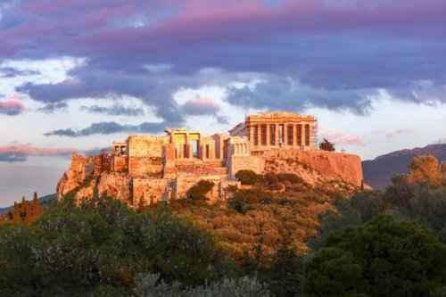 11 Famous Greek Landmarks: Attractions to Visit and Explore