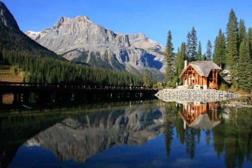 The 9 Most Stunning Lakes Canada has on offer