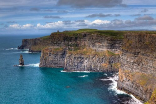 9 Famous Ireland Landmarks You'll Want to Visit in 2021