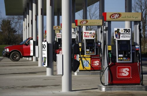Gas prices in South Carolina with slight drop while national average increases