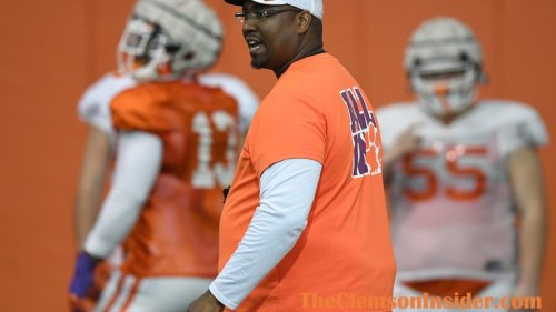Big-time defensive tackle confirms plans to visit Clemson