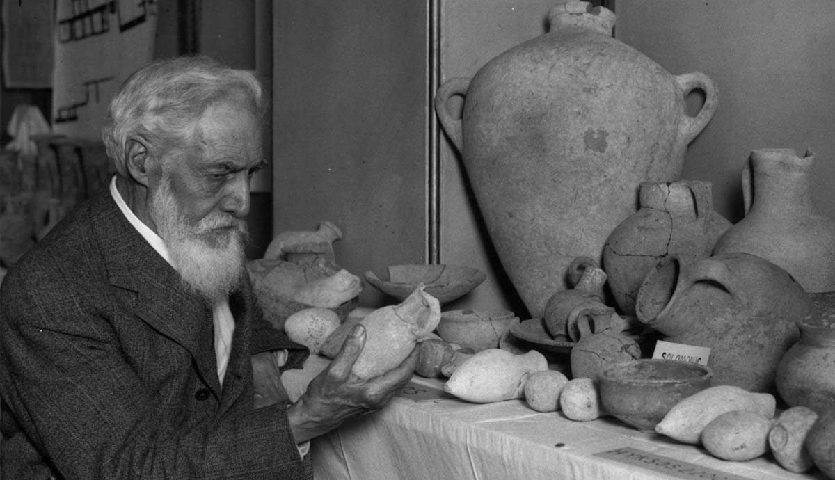 Flinders Petrie: Father of Archaeology
