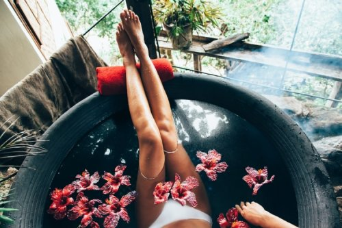 Best Essential Oils To Use In The Bathtub