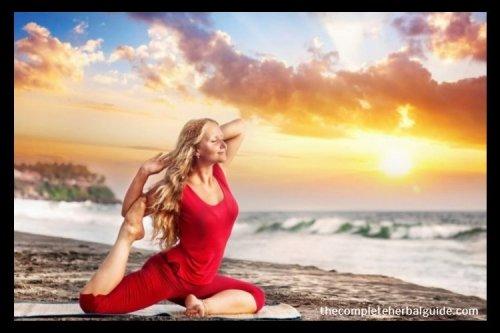3 Ways Yoga and Ayurveda Help You Live a Healthy, Balanced Life