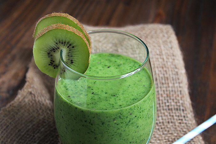 Are Green Juices & Smoothies Actually Healthy? From A Cardiologist's Perspective