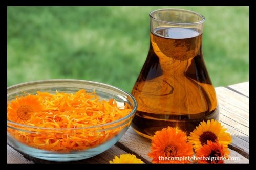 Relieving Abdominal Pain with Essential Oil {Including Recipe}