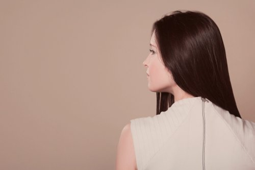 Styling Tips for Women Experiencing Hair Loss and Hair Thinning