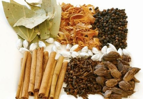 20 Herbs That Fight Against Cancer - The Complete Herbal Guide
