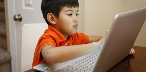 Kids and their computers: Several hours a day of screen time is OK, study suggests
