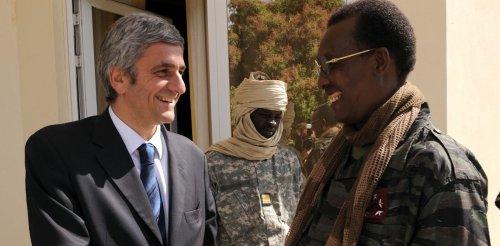 Idriss Déby et la France : la diplomatie en treillis