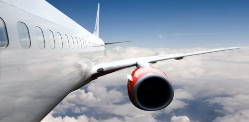 Contrails from aeroplanes warm the planet – here's how new low-soot fuels can help