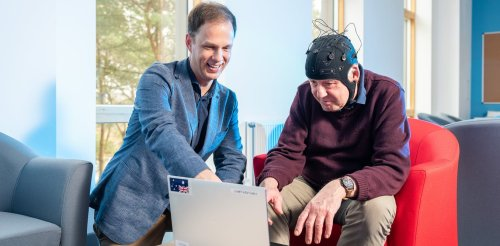 Alzheimer's disease: measuring brain waves could diagnose dementia early – new study