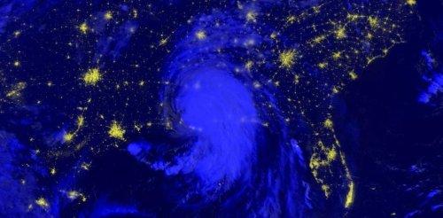 Images de science : Un cyclone dans la nuit