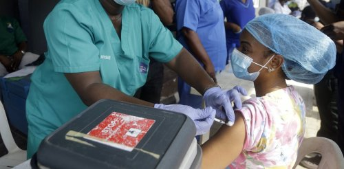 How to get COVID-19 vaccines to poor countries – and still keep patent benefits for drugmakers