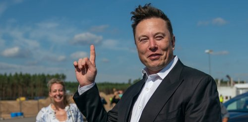 Musk v Bezos: real rivals or fake feud? Our research gives a clue