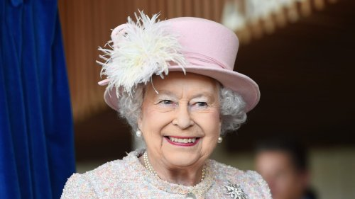 Queen Elizabeth Shrugs Off Health Fears With Online Audience