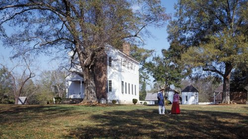 Plantation Promotes, Then Cancels Racist Juneteenth Event About Slaveowners It Dubbed 'White Refugees'