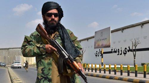 Taliban Kills Four Men, Hangs Their Bodies Around Afghan City