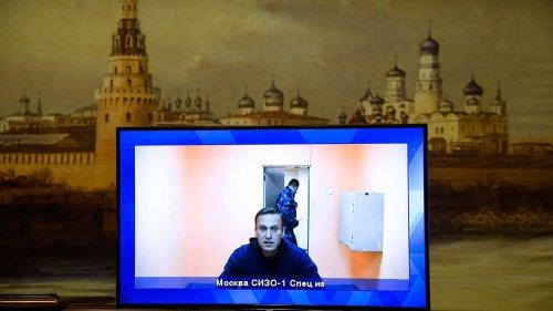 Putin Foe Navalny's Rep: 'Alexei Is Dying Now'