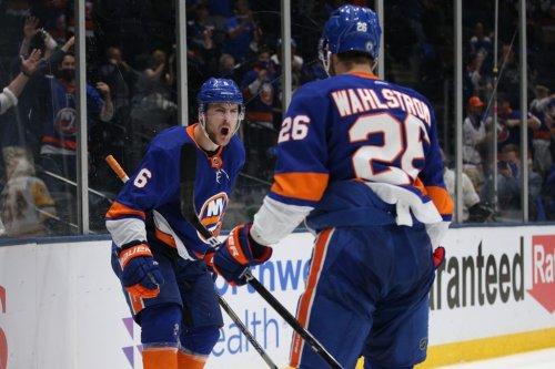 NHL Playoffs: Lightning seek series stranglehold, Islanders search for answers